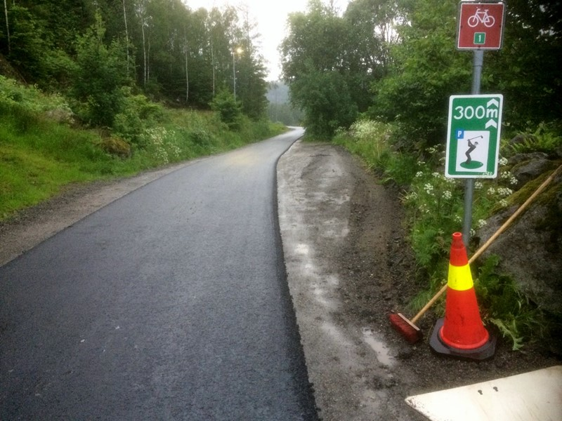 Endelig asfalt tirsdag kveld (foto k røisland)