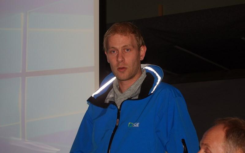 Edmund Jaabæk orienterte om arbeidet på banen (foto p jørgensen)