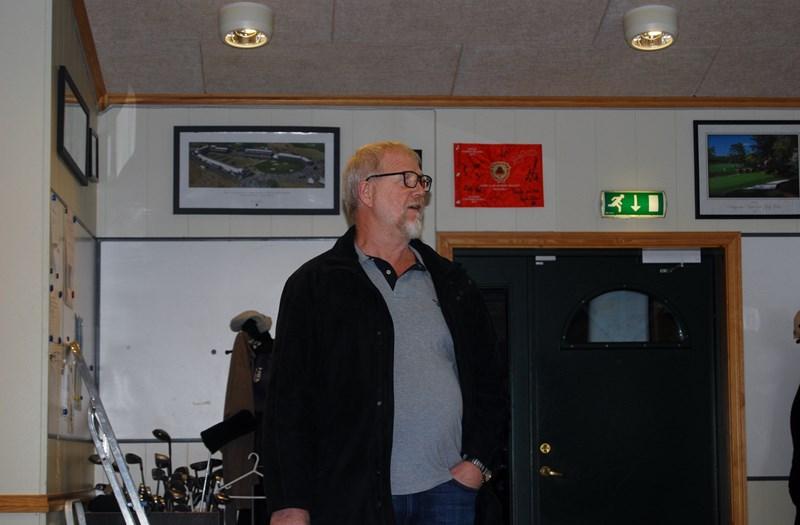 Melvin Hjort i valgkomiteen (foto p jørgensen)