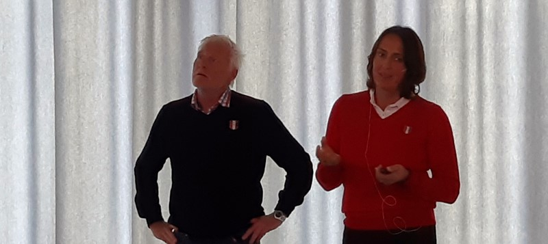 Fra Norges Golf-forbund møtte Lise Bjørnstad og Svein Einarsbøl. (foto per j)