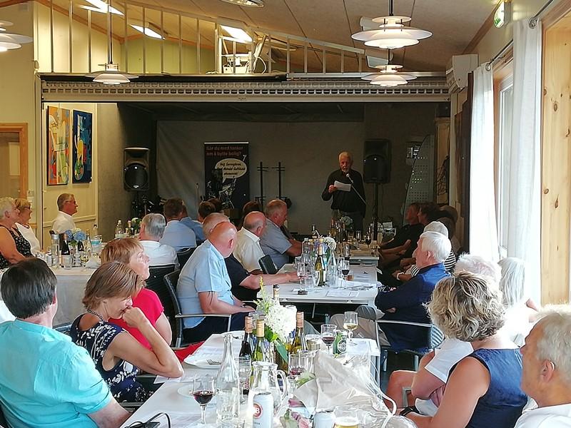 Oddbjørn Eikestøl holdt en flott tale til klubben