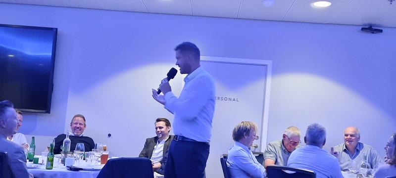 Gunnar Farsund holdt en liten tale.