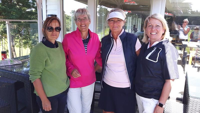 Det ene vinnerlaget, Siri, Kristin, Laila og Paula.