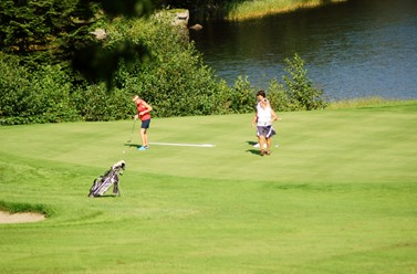 Informasjon fra Mandal Golfklubb.